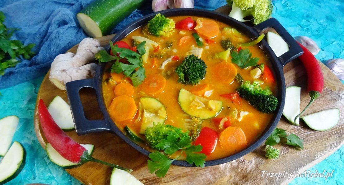 Warzywa z pastą thai red curry